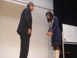 会長賞は、日本語教室で勉強しているサイさんでした。